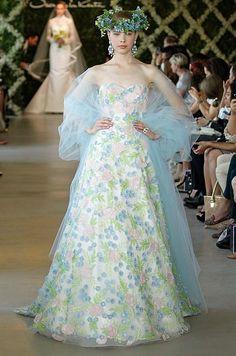 Oscar De La Renta On Pinterest Oscars Fashion Show And