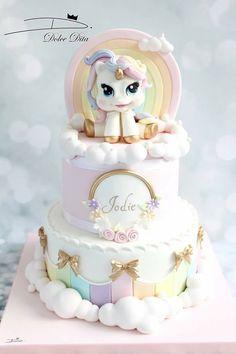 Pretty unicorn cake for kid's birthday party, baby shower, birthday Birthday Cake Girls, Unicorn Birthday, Birthday Parties, Baby Unicorn, Birthday Cakes, Winter Torte, Rodjendanske Torte, Pony Cake, Snacks Für Party