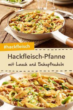 Hackfleisch-Lauch-Pfanne mit Schupfnudeln. Ein sehr beliebtes Rezept für ein schnelles und leckeres Pfannengericht! #hackfleisch #lauch #pfanne #schupfnudeln