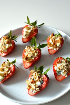 RECIPE: Strawberries, Blue Cheese and Crushed Pecans. Mixing cheese, nuts and fruit it's unlikely anyone will turn these down. Light Desserts, Cheese Plates, Cooking For One, Betty Crocker, Blue Cheese, Pecans, Appetizers For Party, Platter, Starters