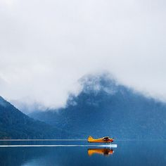 Float plane on the lake. Avion Jet, Bush Pilot, Into The Wild, Bush Plane, Float Plane, Flying Boat, Aviation Art, Ciel, Adventure Is Out There