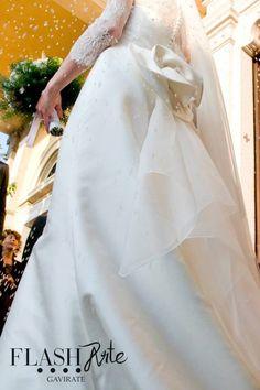 Just Married.  Il tuo matrimonio, un racconto fotografico. Emozione Stile Ricercatezza.  Flash Arte Gavirate VA Info:  flash.arte@libero.it  tel. 0332746300