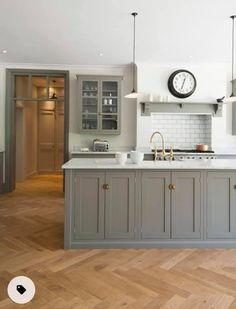 Grey Kitchen Cupboards, Kitchen Tiles, Kitchen Flooring, New Kitchen, Kitchen Decor, Kitchen Grey, Grey Cabinets, Ikea Cupboards, Kitchen Paint