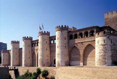 Palacio Aljafería. Actual sede de las Cortes de Aragón.  Zaragoza, España