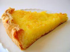 Tarte fria de limão - De Avental e Saltos Altos Magic Cake Recipes, My Recipes, Sweet Recipes, Cooking Recipes, Portuguese Desserts, Portuguese Recipes, I Love Food, Good Food, Food C