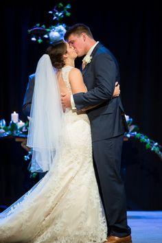 Cornerstone Church Bride and Groom First Kiss Wedding Photo | www.hannahandrandall.com