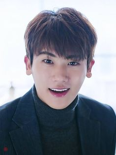 Park Hyung Sik shows us another of his beautiful expressions. Park Hyung Sik, Strong Girls, Strong Women, Asian Actors, Korean Actors, Park Hyungsik Strong Woman, Hairstyles For School Boy, Ahn Min Hyuk, F4 Boys Over Flowers