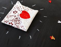 Valentines  Gift Wrapping Ideas   Paper Doily Envelope