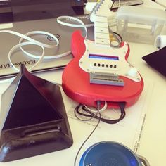 Something we loved from Instagram! And the iStrat internet radio arrives at its first customer across the pond! One happy customer :) #maker #makeraddictz #insta3d #fusion360 #autodesk #3dmodel #3dprint #3dmodeling #raspberrypi #arduino #internet #radio #iot #sale #fender #guitar by daveyclk Check us out http://bit.ly/1KyLetq