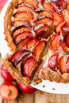 Plum tart with almond frangipane and crumbly sweet pastry
