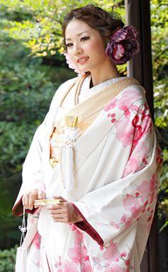hair Japanese Costume, Japanese Kimono, Japanese Fashion, Japanese Girl, Ethnic Fashion, Kimono Fashion, Asian Fashion, Furisode Kimono, Yukata