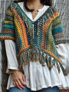 boho crochet top with fringes Poncho Au Crochet, Mode Crochet, Crochet Jacket, Knit Crochet, Poncho Shawl, Crochet Tops, Pullover Design, Crochet Woman, Crochet Fashion