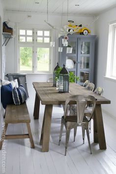 Trestle, bench & metal chairs