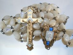 French Mother of Pearl Rosary with Guilded Silver Crucifix St Pio Of Pietrelcina, Umbrellas Parasols, Rosary Beads, Rosaries, Crucifix, Crosses, French Antiques, Catholic, Faith