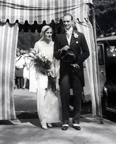 Chic Vintage 1930s Bride - Betsey Cushing