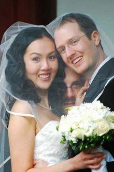 Wedding Photobombs - Funny Wedding Photos