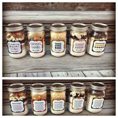 holiday baking goodies in a jar! these are such great gift ideas and all sound delicious! Jar Gifts Gifts in a Jar Mason Jar Meals, Meals In A Jar, Mason Jar Cookie Recipes, Pot Mason, Dessert Recipes, Dessert In A Jar, Cake In A Jar, Edible Gifts, Diy Food Gifts