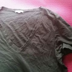 Tops - J crew grat v neck shirt $5