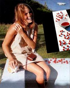 McCartney album - Linda cherries - she looks so much like Stella here The Beatles 1, Beatles Photos, Paul And Linda Mccartney, Stella Mccartney, Linda Eastman, Jane Asher, Blake Lively Style, Pictures Of Lily, Sir Paul