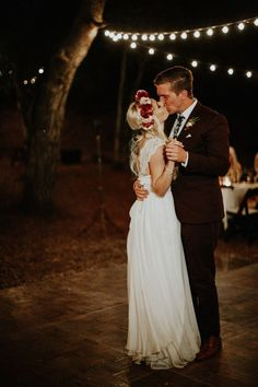 50 Hit The Dance Floor Ideas Wedding Photography Wedding Photos Wedding