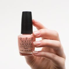 OPI Soft Shades Creme nail polish swatch in Passion. The perfect nude nail polish. Available at Douglas.