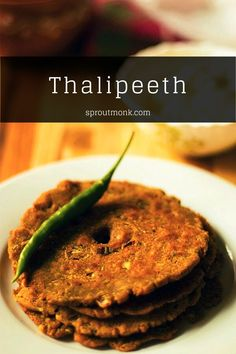 Thalipeeth is an Indian flatbread and one of my favorites in the world! This traditional Maharashtrian crispy flatbread should be included on every breakfast menu or enjoyed as a tasty snack. Recipe video included! Snacks Recipes, Yummy Snacks, Delicious Recipes, Tasty, Yummy Food, North Indian Recipes, South Indian Food, Indian Food Recipes, Ethnic Recipes