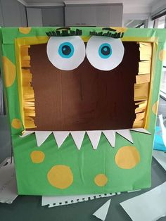 Carboard Box Creations for Kids to Play With - My Bored Toddler Cardboard Recycling, Cardboard Box Crafts, Cardboard Playhouse, Recycled Toys, Recycled Crafts, Toddler Fine Motor Activities, Activities For Kids, Toddler Messy Play, Toy Car Storage