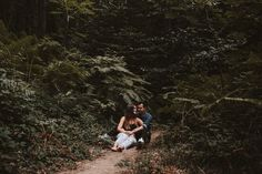 Fotógrafos de bodas, fotógrafos de bodas barcelona, Fotógrafos de bodas girona, bodas, bodas rusticas, bodas en la montaña, bodas al aire libre, pre boda, pre boda barcelona, pre boda en la montaña, engagement, sesión de pareja, fotos divertidas, mascotas