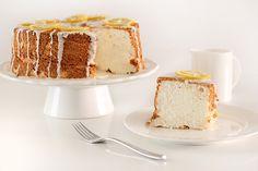 una torta soffice e spugnosa, un boccone di leggerezza che racchiude tutto l'aroma delle arance. Stiamo parlando della Chiffon Cake all'Arancia e questa