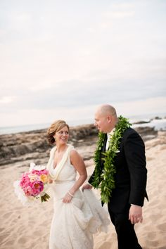 Congratulations Aaron and Liz! | photo by: Derek Wong | Couture Weddings Hawaii