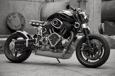 Confederate Hellcat, a masterpiece of design, technology, and aesthetics. One of my favorite production bike companies. Many people hate everything about them but i love everything about them.