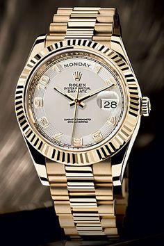 ee64f821cd2 Reloj con caja de oro amarillo de 18 quilates