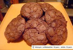 Nutellás keksz egyszerűen Hungarian Cake, Hungarian Recipes, Nutella, Muffin, Cookies, Breakfast, Desserts, Food, Crack Crackers