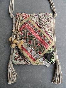 Antik Batik Banjo cross body 'Bohemian Like You' Hippie Bags, Boho Bags, Bohemian Bag, Fabric Purses, Fabric Bags, Handmade Handbags, Handmade Bags, Handmade Crafts, Bag Crochet