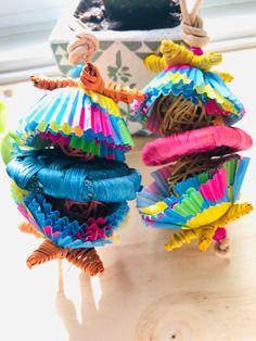 Diy Chinchilla Toys, Bird Toys, Cockatiel, Pony Beads, Small Birds, Pet Toys, Vines, Colours, Parrots