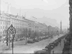 Never Before Seen Photos Of Old Dublin In The Early Century Dublin Street, Dublin City, Old Pictures, Old Photos, Gone Days, Photo Engraving, Emerald Isle, Historical Photos, Paris Skyline