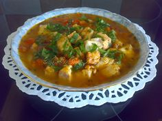 """Bardzo lubiana u mnie w domu - śródziemnomorska zupa rybna. Ten przepis mam ze starej książeczki (z """"Biedronki""""), otrzymanej od mojej Mamy."""