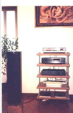 Flexy table audio rack