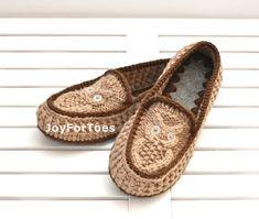 Gufi pantofole uncinetto marrone chiaro di JoyForToes su Etsy