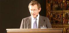 JOHN HOLDEN. Asociado de Demos y Profesor Visitante de la City University de Londres.