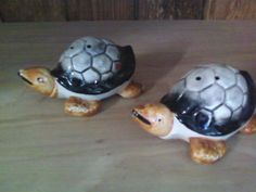 Ceramic Sea Turtle Salt and Pepper Shakers by REbyheritage on Etsy, $5.00