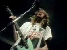 Nirvana - In Bloom music video (original Sub Pop version) Hm. I like this version better.
