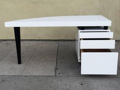 Architectural Italian Desk in Black and White Lacquer 3