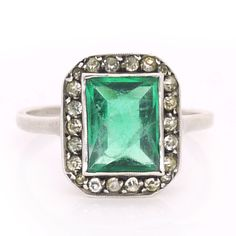 Vintage Art Deco Green Glass Diamante Sparkling Cocktail Ring | Clarice Jewellery | Vintage Costume Jewellery