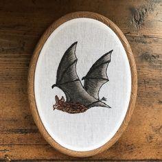Een persoonlijke favoriet uit mijn Etsy shop https://www.etsy.com/nl/listing/487508835/embroidery-hoop-bat