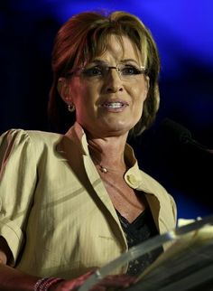 Former Alaska Gov. Sarah Palin, pictured here at the Republican Leadership Conference in May, took on President Barack Obama in an op-ed today for blowing off his presidential duties Sarah Palin Photos, Presidential Duties, New Pictures, Cool Photos, Sexy Older Women, Powerful Women, Actors & Actresses, Portrait, Celebrities