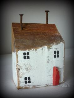 Good Totally Free Ceramics projects at home Strategies Schönes Deko – Haus aus altem Holz. Beach Crafts, Home Crafts, Diy And Crafts, Into The Woods, House In The Woods, Small Wooden House, Ceramic Houses, Wooden Houses, Driftwood Crafts
