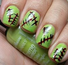 LOVE these ghoulish nails for Halloween!