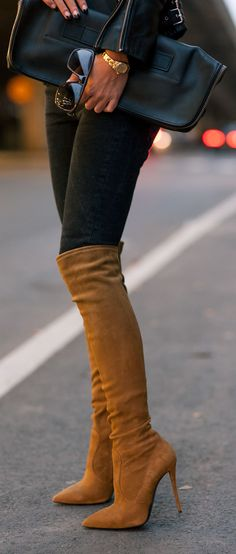 Over-The-Knee-Boots Trend, Johanna Olsson is wearing a pair of over-the-knee-boots from Giuseppe Zanotti. I want these gorgeous boots! Sexy Boots, High Boots, High Heels, Long Boots, Cute Shoes, Me Too Shoes, Look Fashion, Fashion Shoes, Winter Fashion