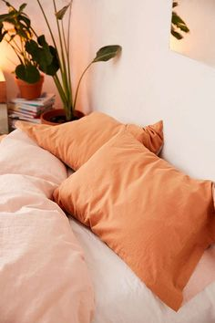 Slide View: 3: Linen Blend Pillowcase Set